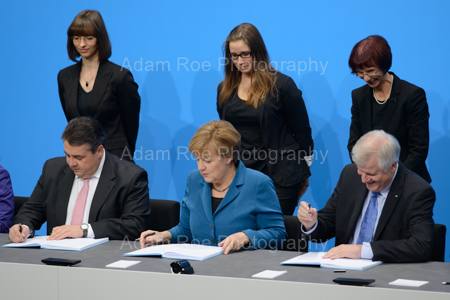 The party heads sign the Coalition Contract of the 18th German Parliament