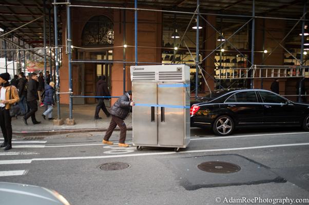 Refrigerador - er, em, Bike Lane in Soho.