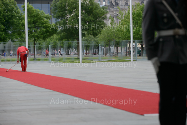 Here's the red carpet a few minutes before Vucic's arrival. The guard is already there, but some work still had to be done.