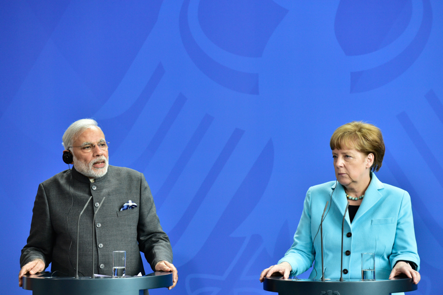 Chancellor Angela Merkel and Indian Prime Minisiter  Narendra Modi giving a joint press conference.